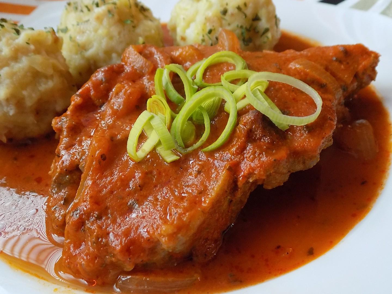 Krkovice pečená v rajčatové šťávě recept