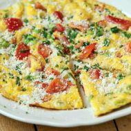 Vaječná omeleta s jarní cibulkou recept