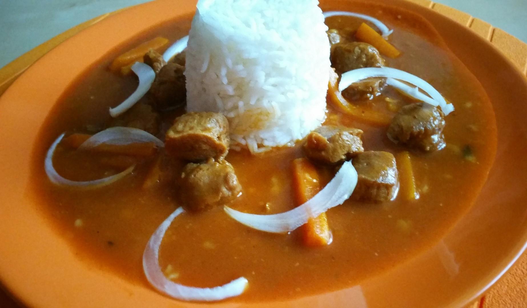 Sojový guláš s rýží recept
