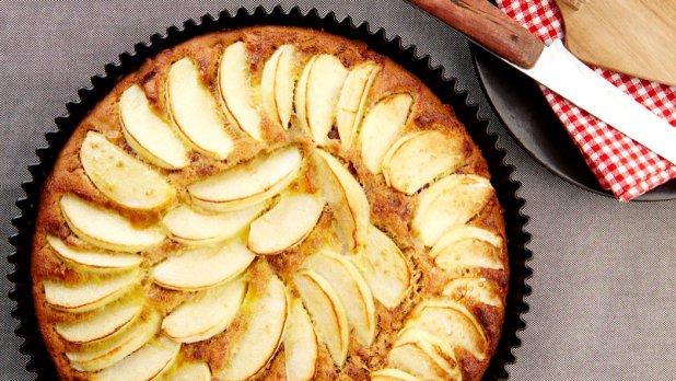 Jablečný koláč s karamelovými sušenkami