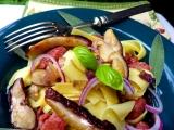 Nudle s italskou klobásou / salsiccia / a hříbky recept