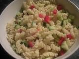 Těstovinový salát se zeleninou recept