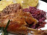 Pečená kachna plněná červeným zelím recept