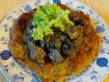 Houbovo-masová směs s bramborovými plackami recept ...