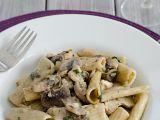Smetanové těstoviny s kuřetem a houbami recept