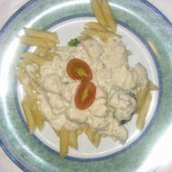 Těstoviny s kuřecím a smetanovo-nivovou omáčkou recept