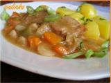 Vepřové plátky dušené v zelí, fazolkách a kořenové zelenině recept ...