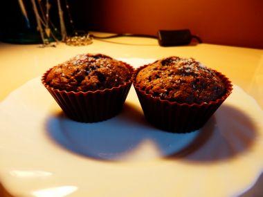 Kakaové muffiny s karamelem