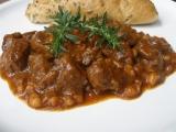 Divoký paprikový guláš s fazolemi recept