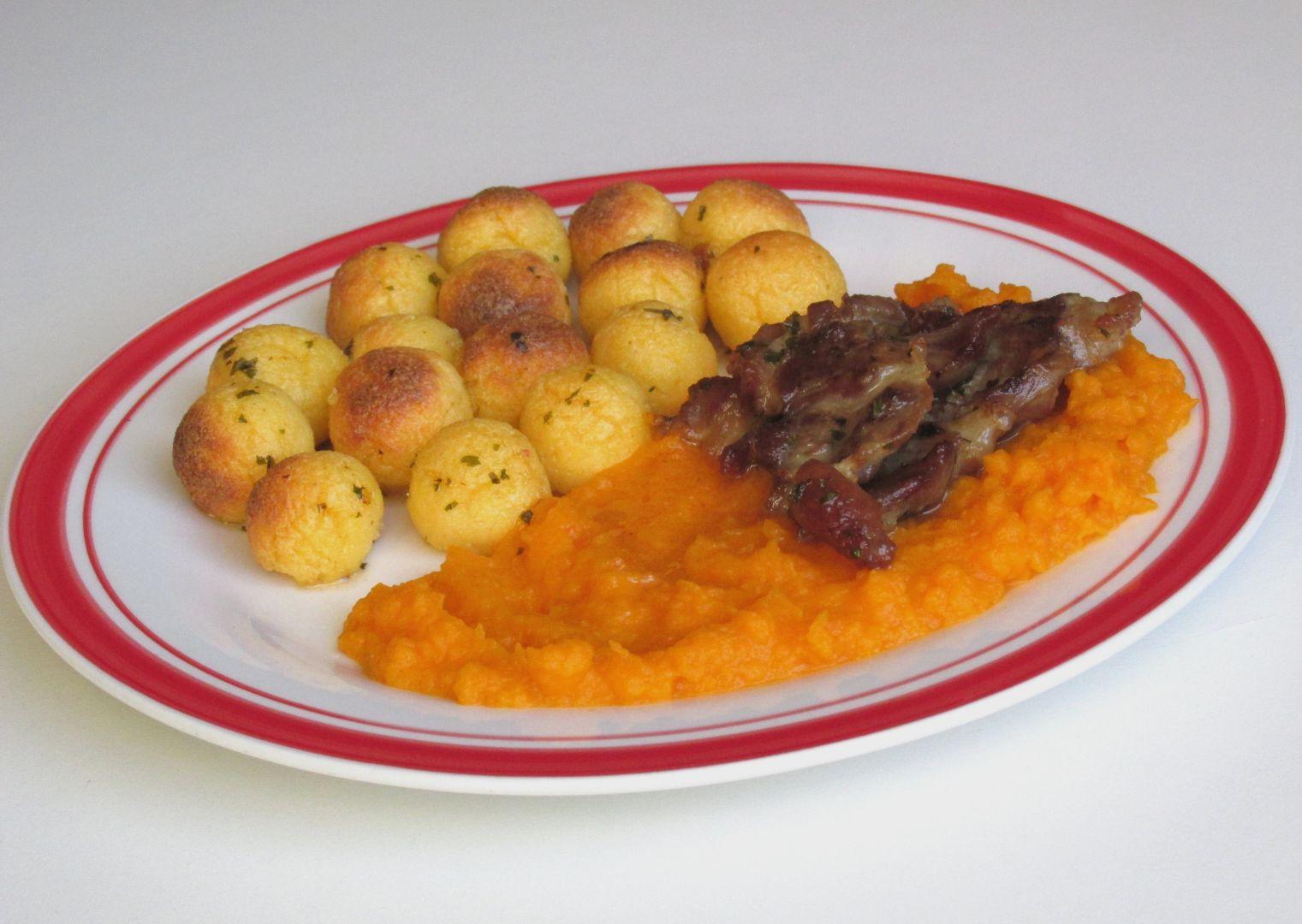 Polentové krokety s krkovicí a dýňovo-mrkvovým pyré recept ...
