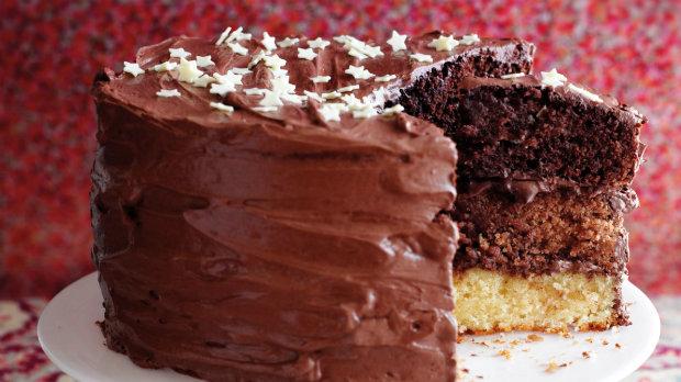 Tříbarevný čokoládový dort