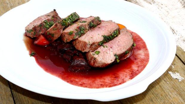 VIDEO: Steak z pštrosa s omáčkou z vína shiraz