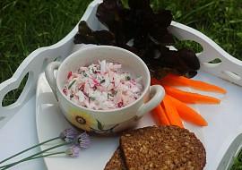 Jednoduchý ředkvičkový salát se šunkou a jogurtem recept ...