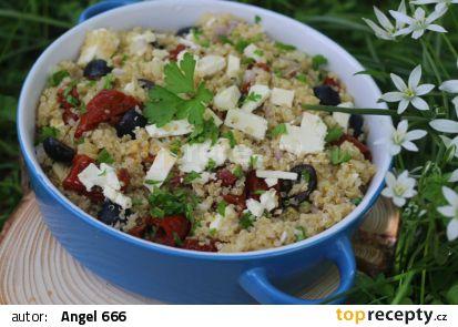 Salát z quinoy s olivami a sušenými rajčátky recept