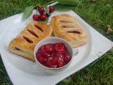 Třešňové taštičky z listového těsta recept