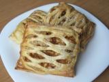 Mřížkové koláčky z listového těsta s jablky a tvarohem recept ...