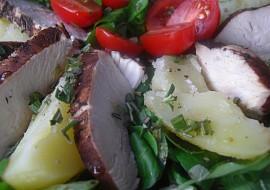 Salát s bramborami a balzamikovým kuřetem recept
