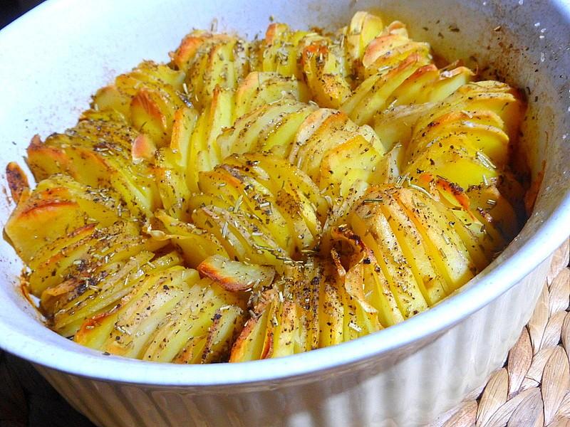 Křupavý bramborový koláč s cibulí a rozmarýnem recept ...