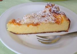 Tvarohový koláč s ovocem a drobenkou recept