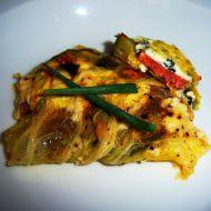 Pikantní cuketa v kapustových listech se sýrem recept