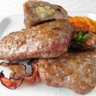 Plněné mleté kapsy s balkánským sýrem recept