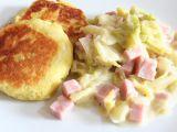 Kapustové ragú se šunkou a s bramborovými plackami recept ...
