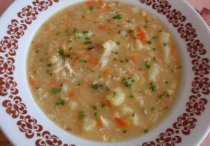 Květáková polévka s kořenovou zeleninou