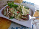 Osvěžující kuřecí salát s okurkou a mátou recept