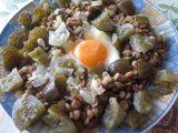 Čočka v okurkovém objetí se sázeným vejcem recept