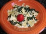Kuřecí srdíčka se špenátem a těstovinami recept