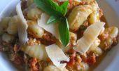 Pesto ze syrových rajčat recept