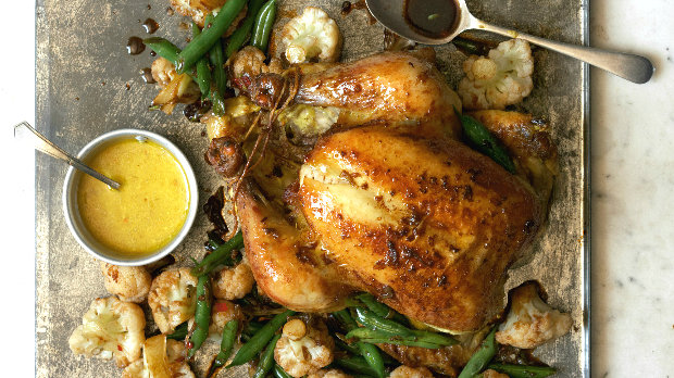 Pečené indonéské kuře s restovaným květákem