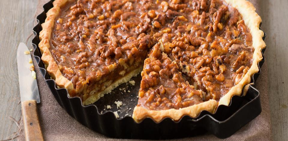 Karamelový koláč s vlašskými ořechy
