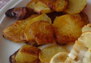 Opékané pikantní bramborové plátky