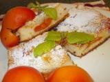 Koláč s meruňkami a rybízem recept