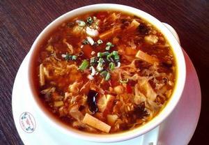 Ostrokyselá čínská polévka