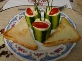 Okurky plněné česnekovým krémem recept
