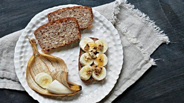 Bezlepkový banánový chlebíček