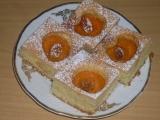 Koláč s plněnými meruňkami recept