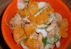 Fenyklový salát s mandarinkou a kuřecím masem