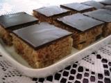 Medový perník s ořechy a rozinkami recept