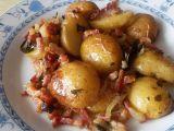 Pečené brambory na cibuli a slanině recept