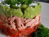 Salát z avokáda, tuňáka a rajčat recept