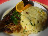 Makrela na cibuli a bílém víně recept