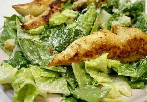 Kuřecí barbeque salát