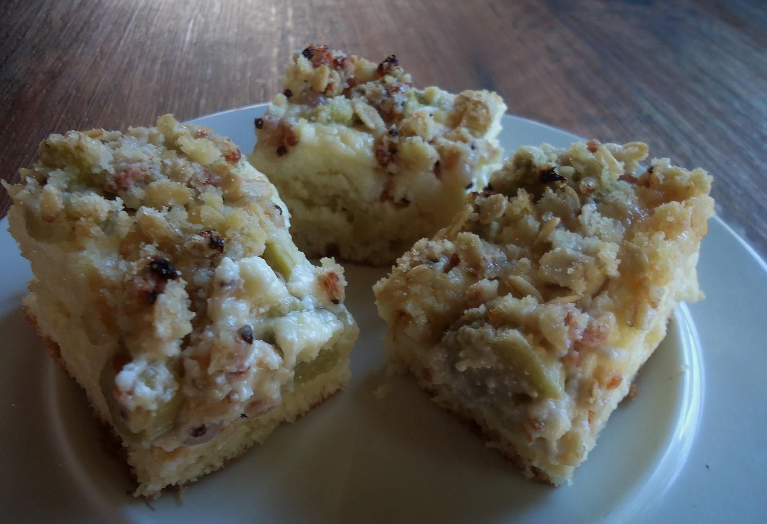 Ovocný kynutý koláč s tvarohovým pudinkem recept