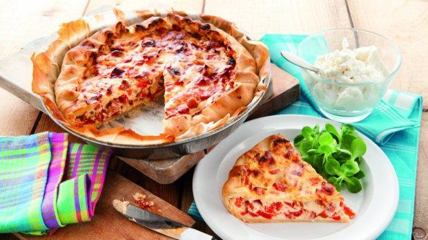 Slaný koláč s ricottou, pancettou a paprikou