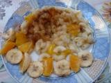 Těstoviny s pomerančem a banánem recept
