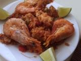 Paella s kuřecím masem a krevetami recept