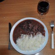 Hovězí na červeném víně s brusinkami recept